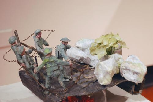"Francesca Borgatta Dioramas: ""Soldiers with Bodybags"", 9″×16″×16″"